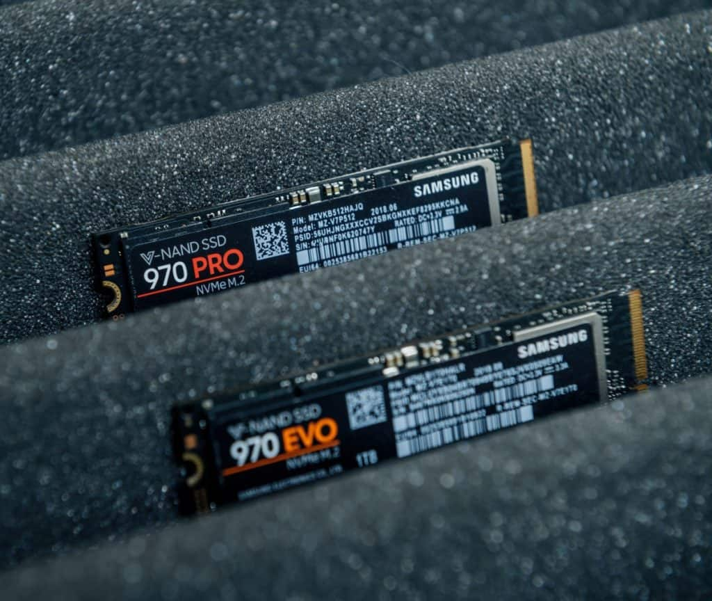 Samsung V-Nand SSD 970 Pro and 970 EVO professional NVME fast M2 disk
