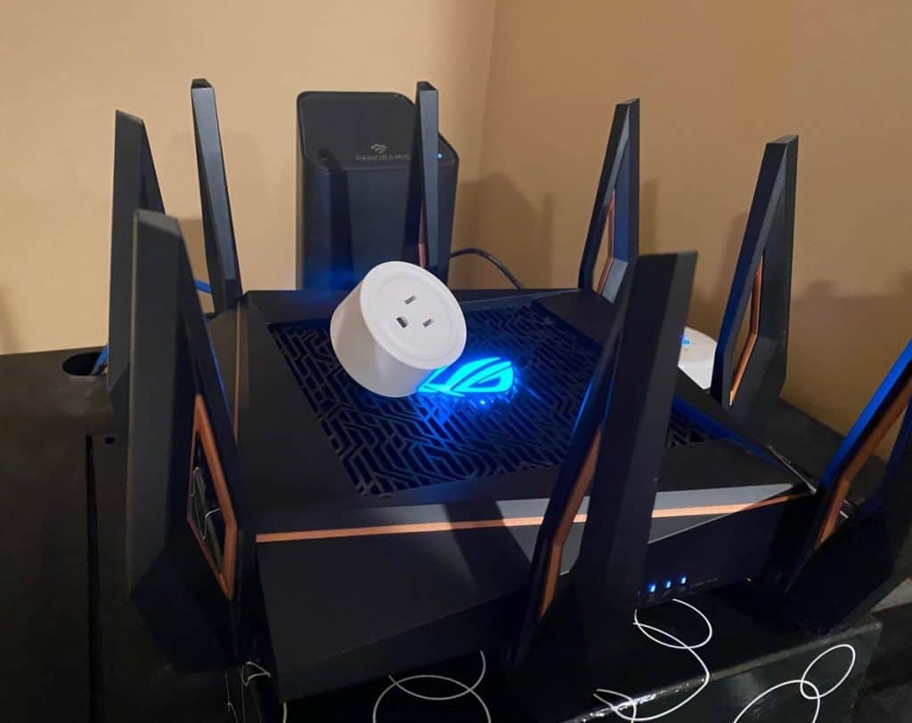 Asus Router With Smart Plug on It